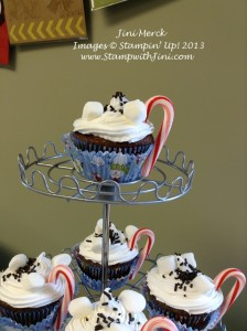 Holiday Catalog Premiere Party cocoa cupcakes (1)